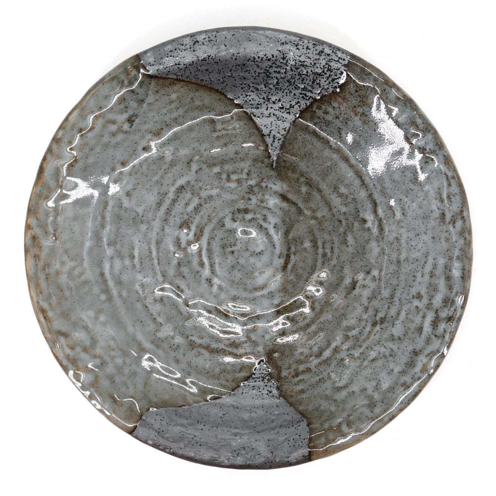 japanese round plate in ceramic, YAMAGASUMI, grey