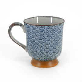 Japanese traditional colour blue mug cup with wave patterns in ceramic SEIGAIHA KÔDAI
