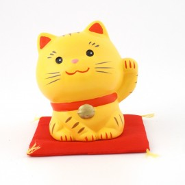 Yellow japanese lucky charm cat Manekineko SN-016