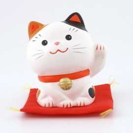 Japanese lucky charm cat Manekineko SN-014