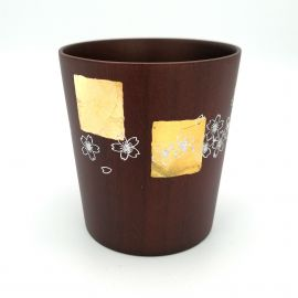 Japanese tea cup in dark natsume wood with gold and silver lacquered cherry blossom pattern, MAKIE SAKURA